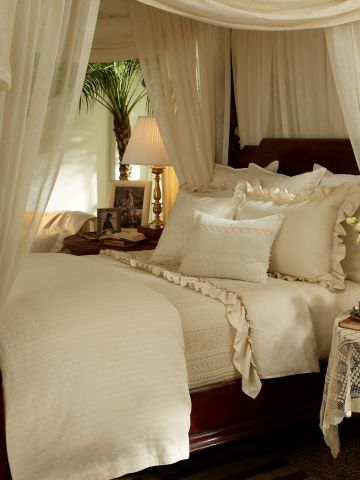 How To Decorate And  X  Women S Getaway Room