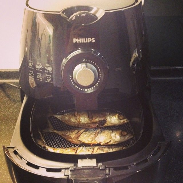 'I'm so happy with my new #AirFryer. Now i can do my frying without or just drizzle of oil :)'
