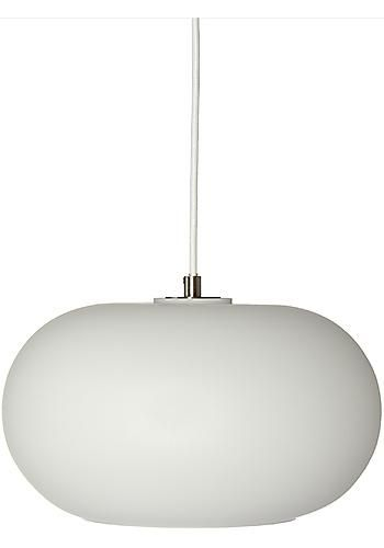 Kobe är en stilig taklampa med runda former i opalglas. Finns även i rökfärgat glas. Ljuskälla ingår ej.