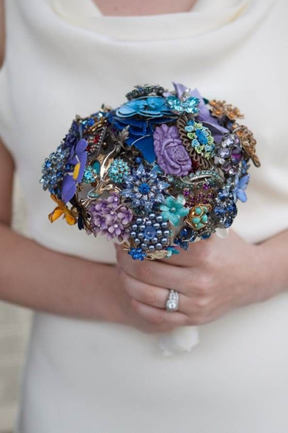 You could include jewelry from all the women in your family in your bouquet.