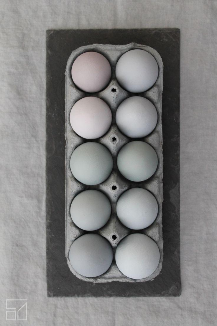 Odu Design - painted eggs https://www.facebook.com/odudesign/  http://www.odudesign.com/