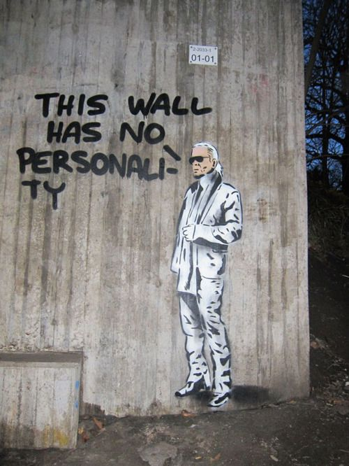 @Cael_oh This wall has no personality #Banksy #StreetArt