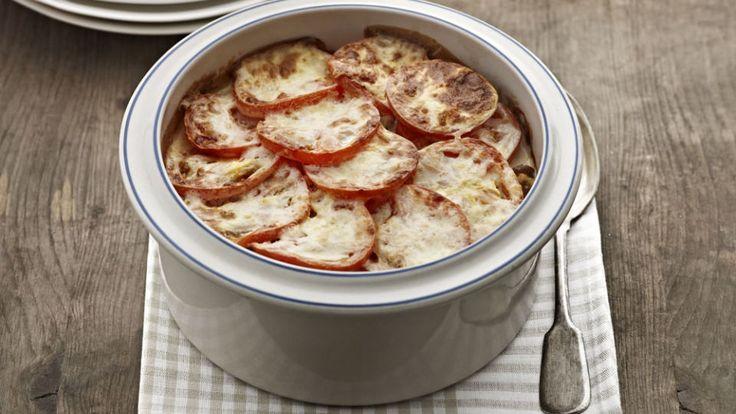 Helppo ja maukas gratiini kuorrutetaan juustoisella kastikkeella!