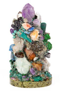Горка камней минералов