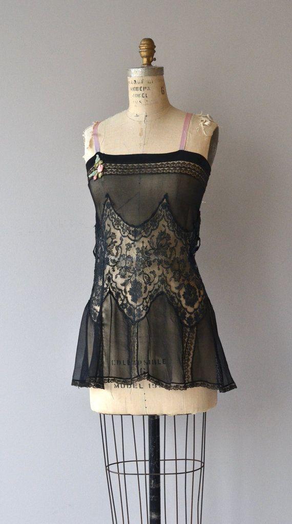 Camicia da notte trop Belle lingerie Vintage 1920s di DearGolden