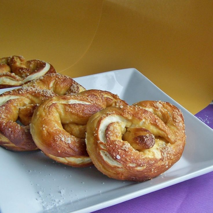http://hiddenponies.com/2012/05/first-on-the-first-homemade-pretzels/ Homemade Pretzels & Pizza Pretzel Bites