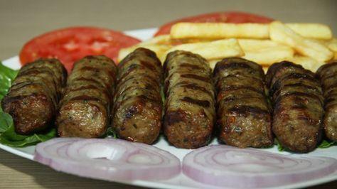 Η κουζίνα της Θράκης είναι από τις πιο πλούσιες και περίτεχνες κουζίνες στην Ελλάδα. Στη θρακιώτικη κουζίνα κυριαρχούν οι έντονες γεύσεις, τόσο από τα πλούσια υλικά, όσο και από τα μπαχαρικά που συναν