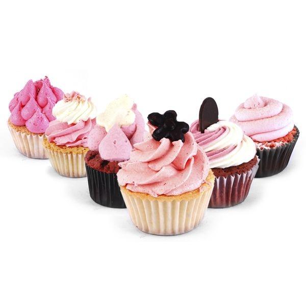 Love Pink Cupcake Box. Surtido variado de deliciosas cupcakes rosas. Encuentra este producto de 'The Cake's Garden' en Loikos.