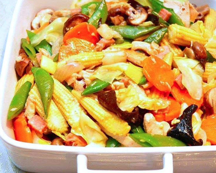 Ingredients: 1 large carrot, peeled and sliced ¼ small cabbage, cut into 1-inch thick strips ½ small red bell pepper, seeded and cut into strips ½ small bell pepper, seeded and cut into strips 8 mushrooms, sliced into 2 8 Sweet pea halved crosswise Black dried mushroom (soak with hot water and sliced thinly) 1… Continue reading Chopsuey Chinese Style