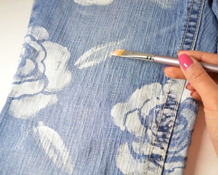 How to paint a pair of painted jeans. Floral Jeans - Step 8