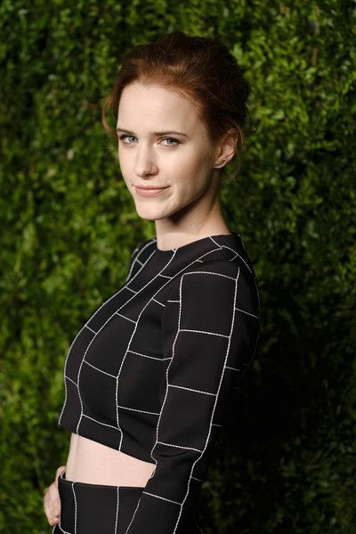 Rachel Brosnahan attends 13th Annual CFDA/Vogue Fashion Fund Awards at Spring Studios on November 7, 2016 in New York City.