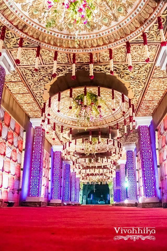 Astonishing Indoor Decor! Work by  Vivahhika, Chennai #weddingnet #wedding #india #indian #indianwedding #mandap #mandapdecor #mandapdecoroutdoor #weddingdecor #decor #decorations #decorators #indianweddingoutfits #outfits #backdrops #llittlethings #excellent