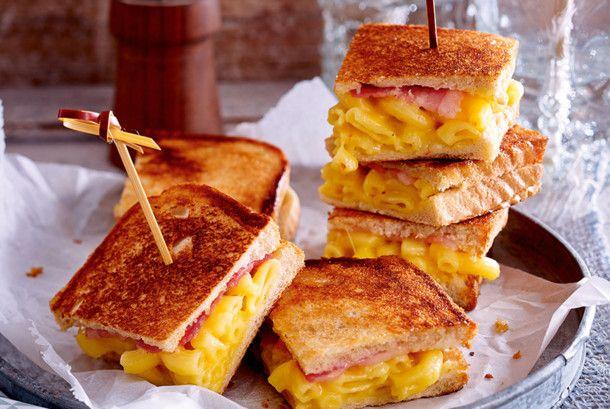 Unser beliebtes Rezept für Turbo-Toast mit Käsenudeln und mehr als 55.000 weitere kostenlose Rezepte auf LECKER.de.