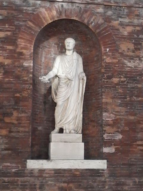 Estatua Senex Romano Palazzo Quirinale