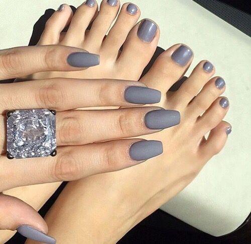 ♡ On Pinterest @ kitkatlovekesha ♡ ♡ Pin: Beauty ~ Matte Gray Nails ♡