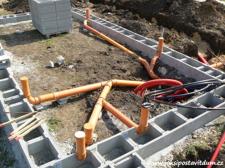 2. ETAPA | ZÁKLADY DOMU | Zhotovení kanalizačního systému