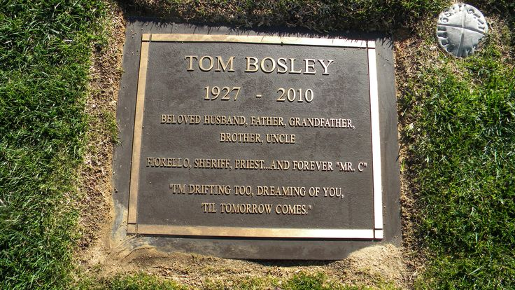 Famous Hollywood Grave Sites | Tom Bosley 1927 - 2010
