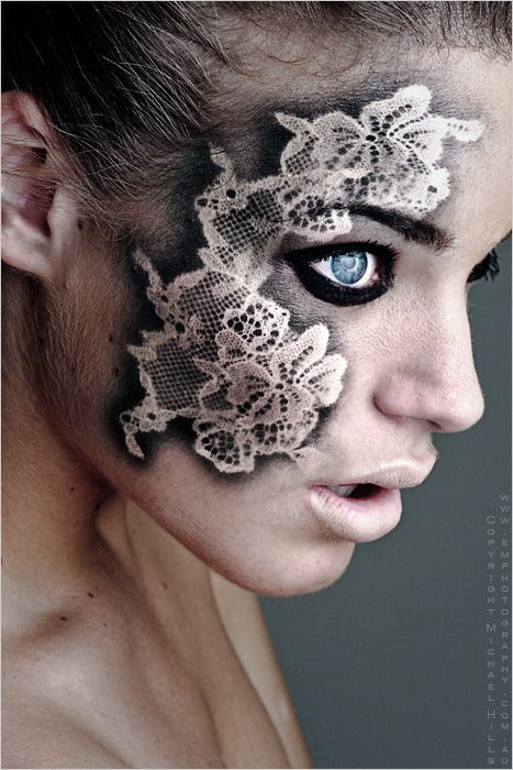 Black and metallic lace.... This woulda been cool with my Halloween costume...