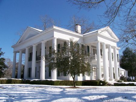 Best 25 antebellum homes ideas on pinterest plantation for Old plantation homes for sale cheap