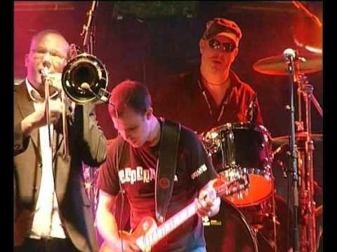 Esperanza ska band - 'The Lesson' at Wickerman Festival 2010 - YouTube