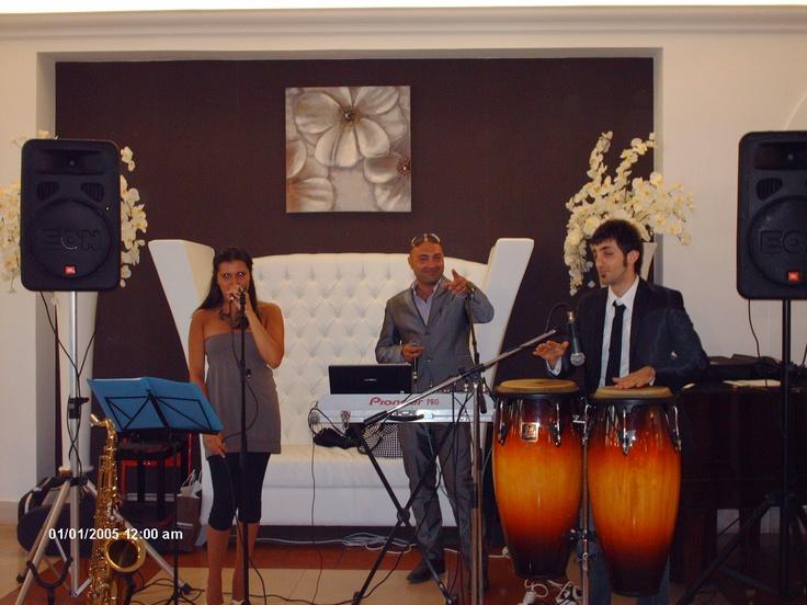Dj + Voce Femminile + Percussionista c/o Villa Torre Quarto Sala Claire