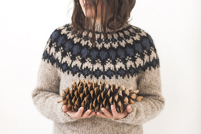 Grainline Studio | Icelandic Sweater | Photo by Julia Stotz