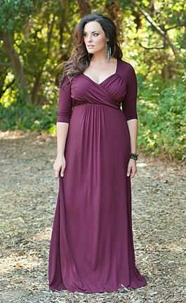 Beautiful plus size mother of the bride dress or dresses. http://www.delightfullycurvy.com/shopping-plus-size-mother-bride-dresses/