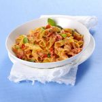 Guarda la buonissima ricetta per preparare i garganelli cremosi al pomodoro. Scopri tutti gli ingredienti su Sale&Pepe.