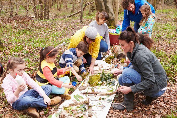 Einfach mal alle Schätze des Waldes ausbreiten und bestaunen, was alles gefunden wurde. • micromonkey / Fotolia.com – Molly Monster