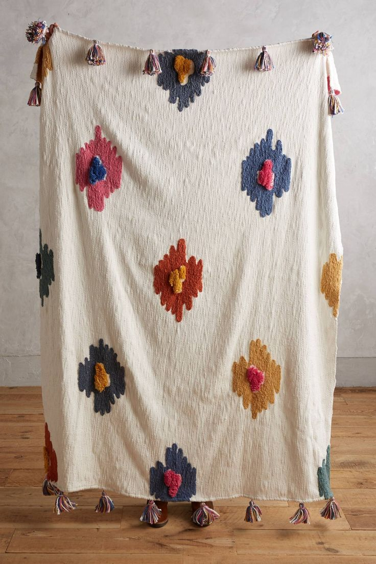Centrale Throw Blanket