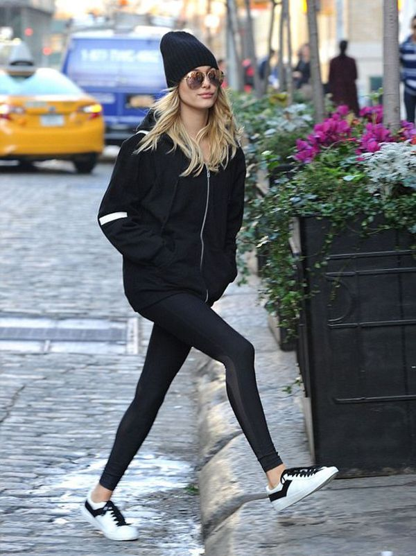 Hailey Baldwin Street Style Gorro