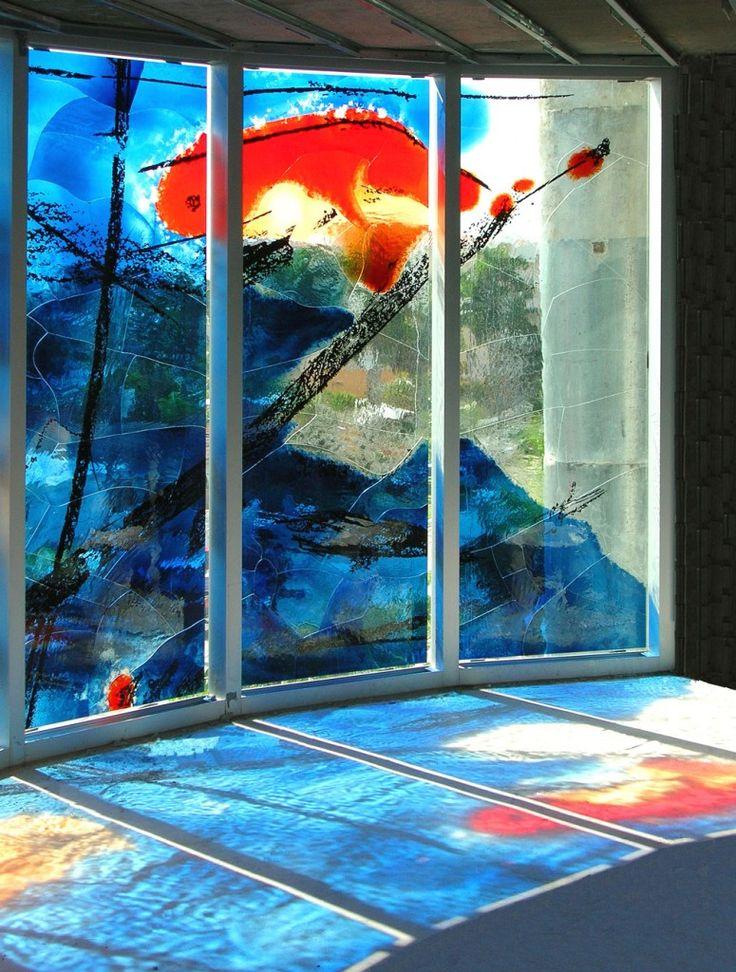 Place des Arts, un ansamblu rezidențial din Fort Lauderdale, Florida. Sticla a fost pictată de artistul german Peter Kuckei - revista Casa lux