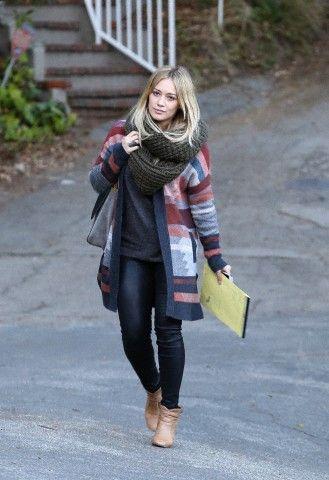 Deixando o estúdio em Los Angeles - 10 de Dezembro - 1012e 28529 - Portal Duff / HilaryDuff.com.br @ Galeria de Fotos - Mais de 60.000 fotos da cantora, atriz e designer Hilary Duff