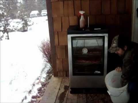 "▶ Ribs on the masterbuilt 40"" window smoker - YouTube"