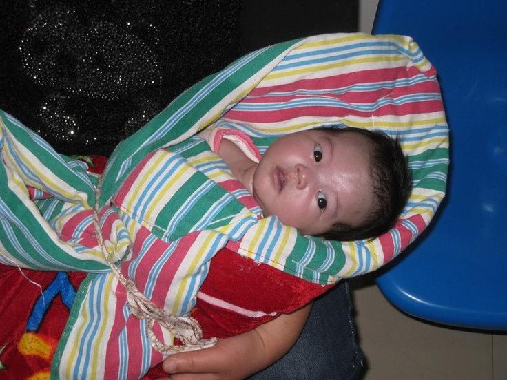 Nos ha contactado un orfanato de Anhui que tenían una niñita recién llegada con una cardiopatía. Ha sido ingresada de urgencia en un hospital de Hefei pues estaba muy azul y respiraba mal. También tiene fiebre. Por favor, llevadla en vuestros pensamientos.