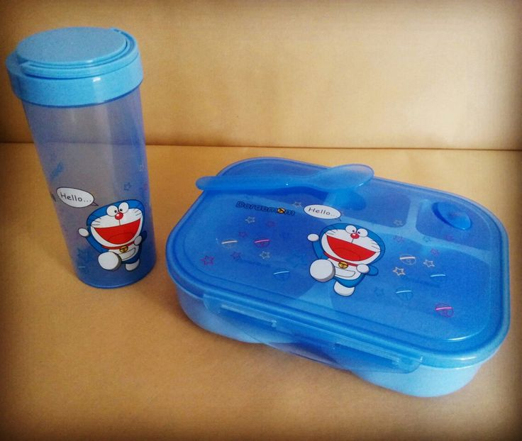 Tempat Bekal Set Doraemon tempat makan lebar 20cm terdapat 5 wadah tinggi botol minum 16cm volume +/- 350ml termasuk sendok dan goodie bag terbuat dari plastik  harga Rp65.000  How to Buy: Ketik nama barang - nama lengkap - alamat lengkap - no hp  Kirim ke: BBM 5BB820D7 Line @rqa4794f  #tempatbekaldoraemon #mistingdoraemon #piknikdoraemon #botolminumdoraemon #tumblerdoraemon #mealsetdoraemon #alatmakandoraemon #doraemonbandung #tokodoraemonbandung #pernakpernikdoraemonbandung #jualdoraemon