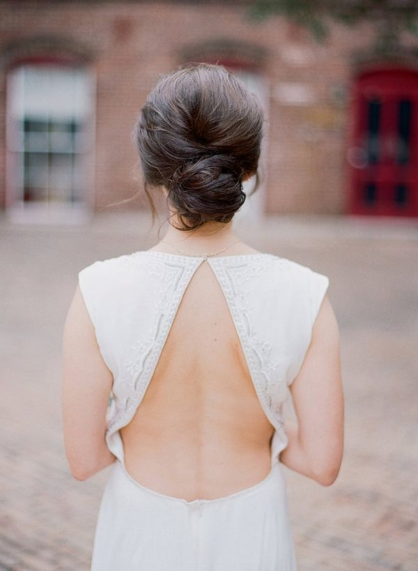 Sea foam green and gold geometric inspired wedding | Emily Katharine Photography on @eld_lauren via @aislesociety