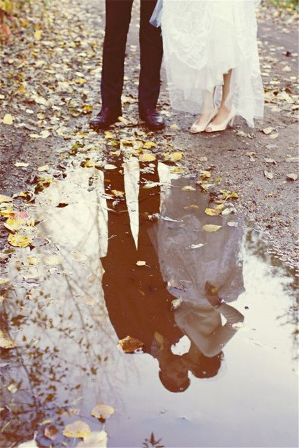 Wedding    Photography»26 Rainy Day Wedding Photos That    Are Hopelessly Romantic!