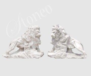 Przyczajony lew - rzeźba kamienna