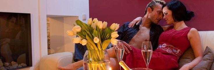 http://www.hotel-winzer.at/romantikurlaub.de.htm Im ****Hotel Winzer wird Romantik groß geschrieben.
