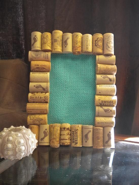 picture frame / Yet another idea of things to do with the box of 2,000 corks in my house...