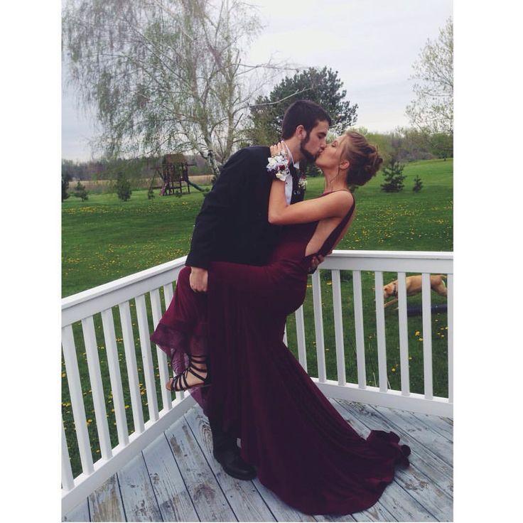 Senior prom  Couple picture  Boyfriend idea