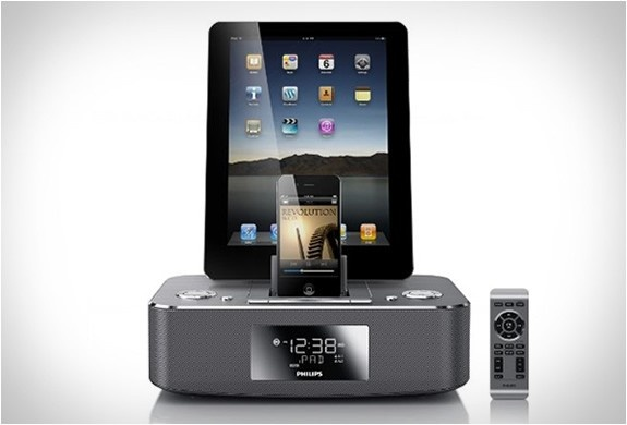 Duel dock ... something i like to have in my office :)