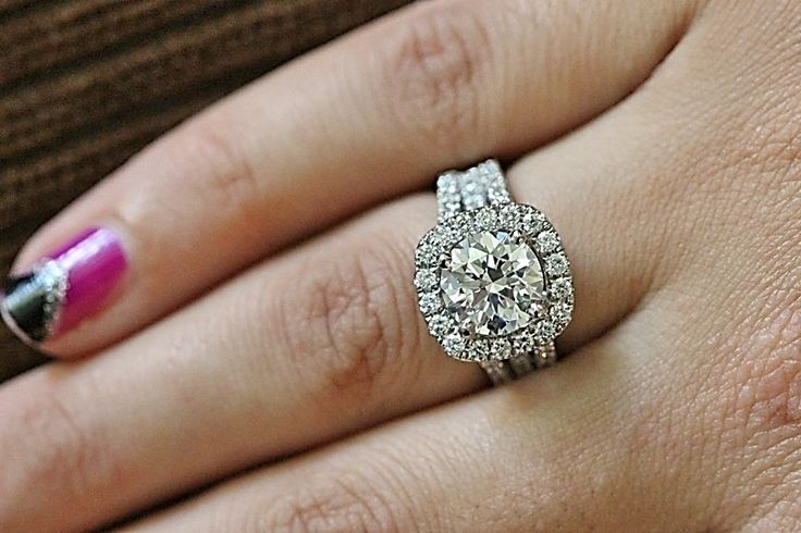 Beautiful Halo Engagement Ring with an Excellent Round Cut Diamond!!!