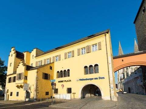 ACHAT Plaza Herzog am Dom Regensburg Back of Hotel with View to Cathedral