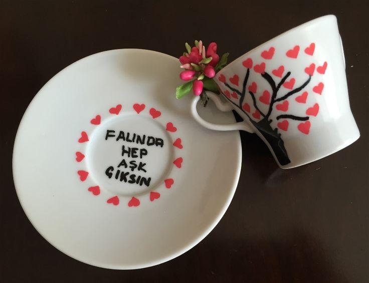 Sevdikleriniz için kişiye özel hazırlanan onları yansıtan kahve fincanı