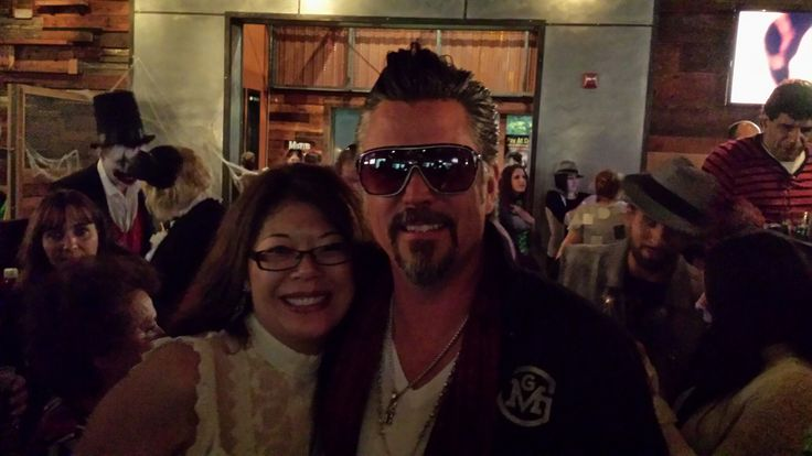 gas monkey garage bar grill with richard rawlings of fast loud husband 39 s fave show. Black Bedroom Furniture Sets. Home Design Ideas