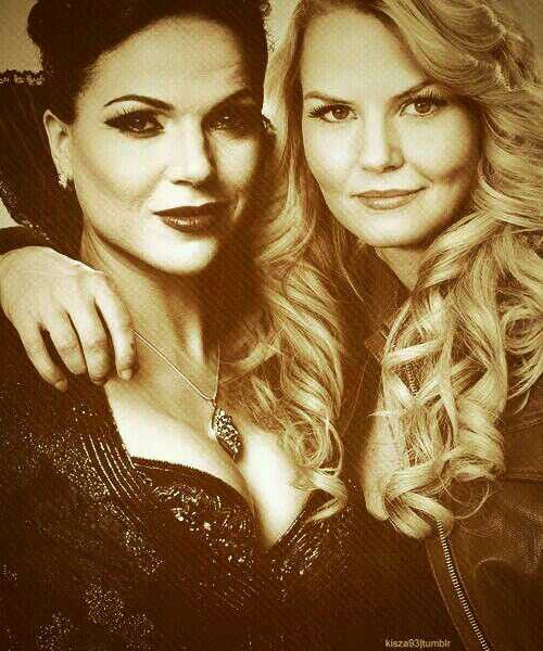 Regina Mills and Emma Swan. Team Mom.