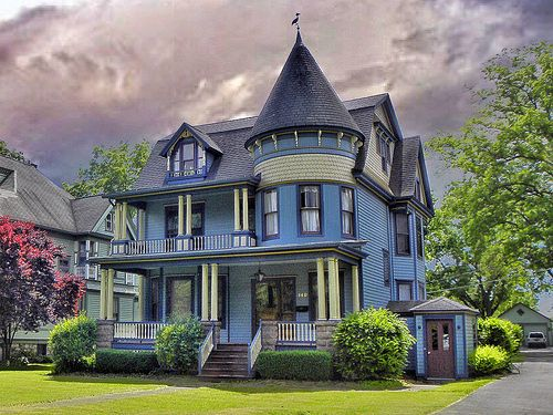 1000 images about beautiful victorian queen anne houses Queen anne house