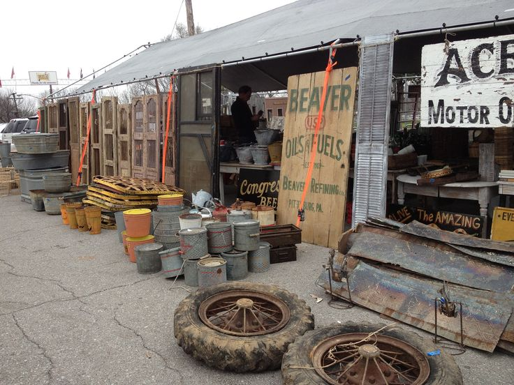 Hit these Nashville flea markets and thrift stores for a great bargain that also lets you give back.